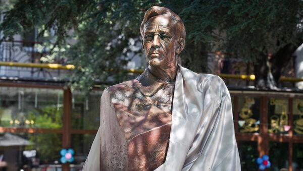Открытие памятника 32-му президенту США Франклину Рузвельту в Ялте. - Sputnik France