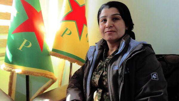 Nesrin Ebdullah, porte-parole du PYD et du bataillon féminin kurde (YPJ) - Sputnik France