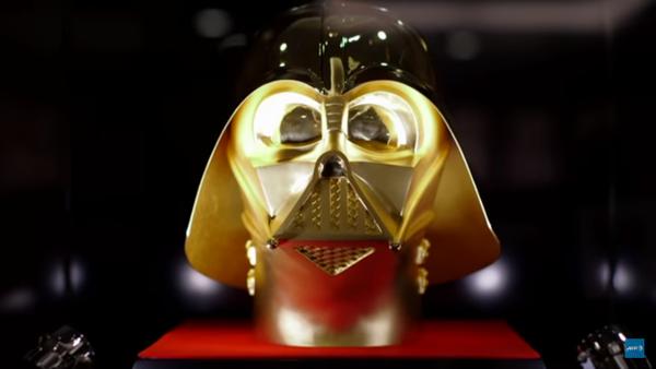 Un masque doré de Dark Vador - Sputnik France