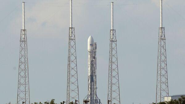 Fusée Falcon 9 - Sputnik France