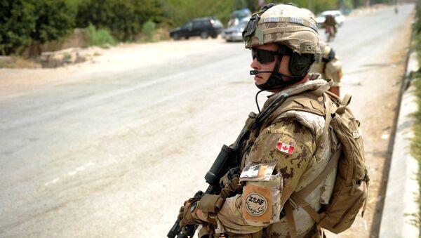 Un soldat canadien de l'Otan - Sputnik France