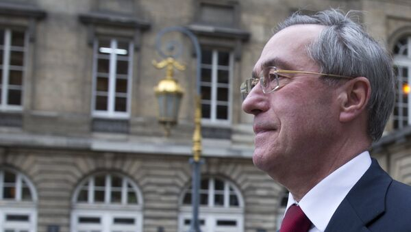 Former French Interior minister Claude Gueant leaves the courthouse for his trial in Paris on November 13, 2015. - Sputnik France
