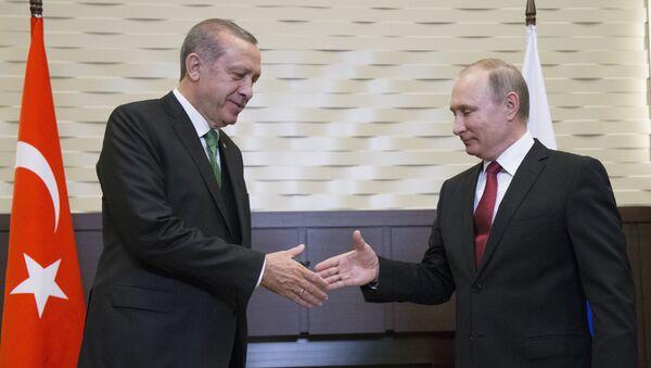 La rencontre à Sotchi entre les Présidents russe et turc Vladimir Poutine et Recep Tayyip Erdogan  - Sputnik France