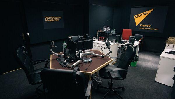 Обновленная студия радио Спутник Франс в Париже - Sputnik France