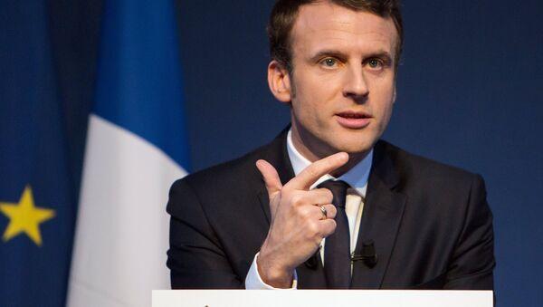French presidential candidate Emmanuel Macron presents his program - Sputnik France