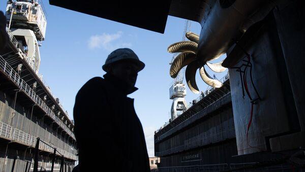 Церемония спуска на воду дизель-электрической подводной лодки проекта 636.3 Краснодар на Адмиралтейских верфях в Санкт-Петербурге. - Sputnik France