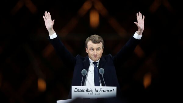 French President-elect Emmanuel Macron celebrates on the stage at his victory rally - Sputnik France