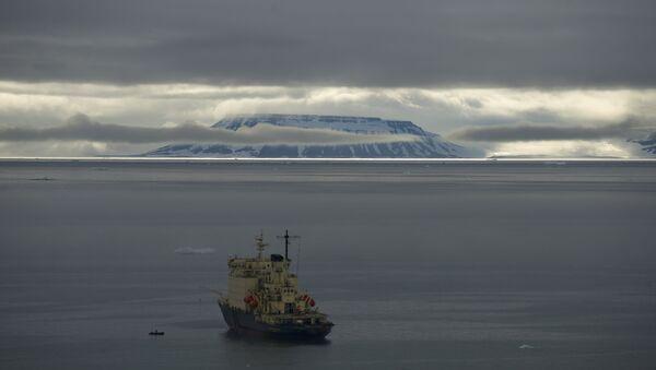 Le navire Andreï Ossipov part en expédition écologique vers l'archipel François-Joseph - Sputnik France