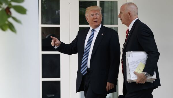 Donald Trump (à gauche) et Keith Schiller - Sputnik France