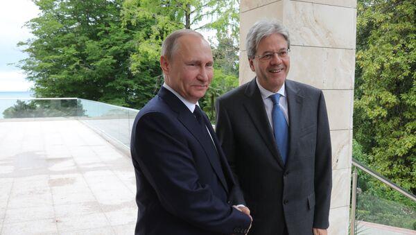 Rencontre de Vladimir Poutine et Paolo Gentiloni à Sotchi - Sputnik France