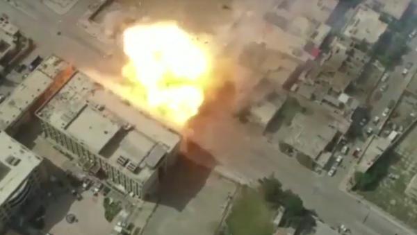 Les forces irakiennes frappent les positions de Daech à Mossoul - Sputnik France