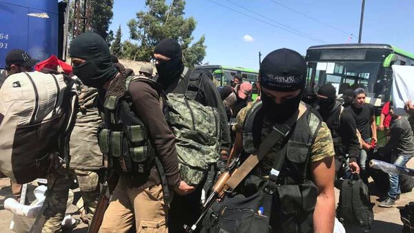 Последний этап вывода боевиков из квартала Аль-Ваэр в городе Хомс - Sputnik France