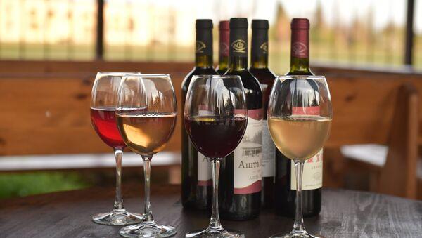 Cuatro vinos (imagen referencial) - Sputnik France