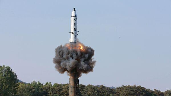 Un tir d'essai de missile balistique nord-coréen Pukguksong-2 (archives) - Sputnik France