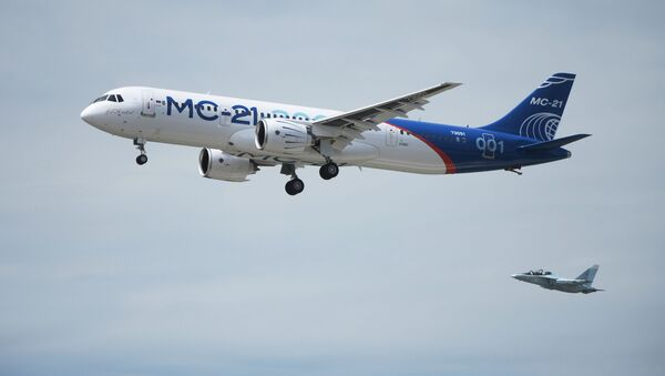 Первый полет нового российского пассажирского самолета МС-21 - Sputnik France