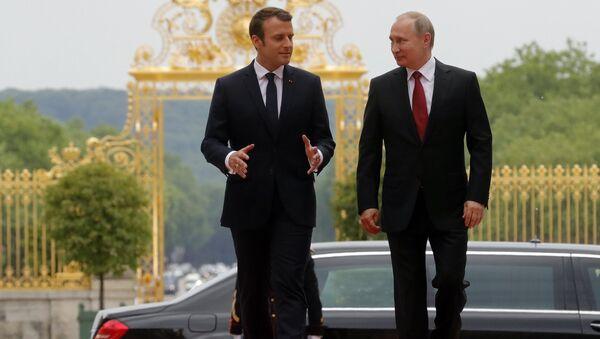 Emmanuel Macron et Vladimir Poutine - Sputnik France