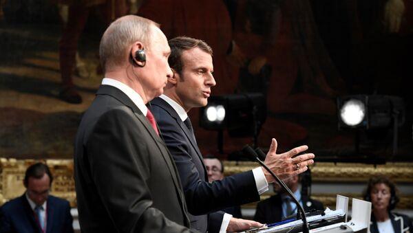 Vladimir Poutine et Emmanuel Macron à Versailles - Sputnik France