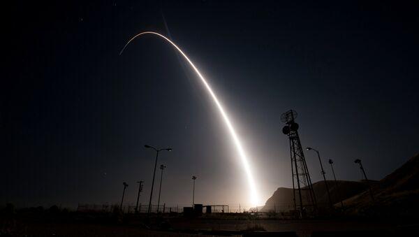Un tir d'essai de missile Minuteman III - Sputnik France