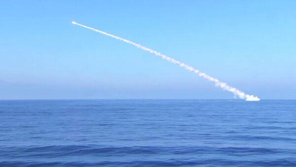Tir d'un missile Kalibr - Sputnik France