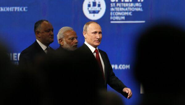 Le président russe Vladimir Poutine en marge du Forum économique international de Saint-Pétersbourg 2017 (SPIEF) - Sputnik France