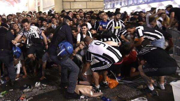 Mouvement de foule à Turin - Sputnik France