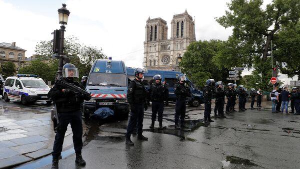 La police au centre de Paris après l'attaque près de Notre-Dame - Sputnik France