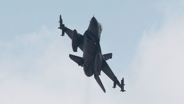 un F-16 - Sputnik France