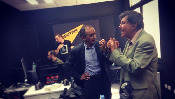 Le polémiste Eric Zemmour et l'universitaire Jacques Sapir - Sputnik France