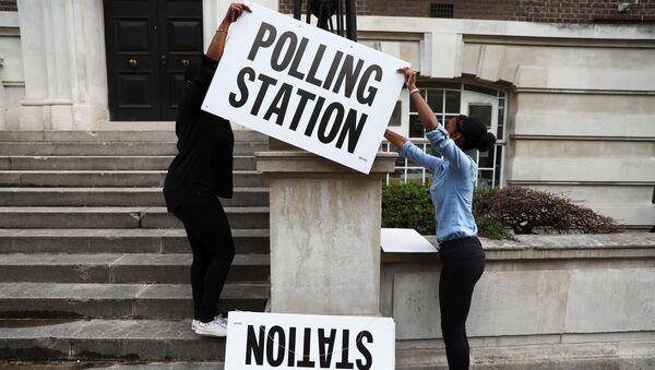 Un bureau de vote à Londres - Sputnik France