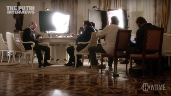 The Putin Interviews | Vladimir Putin Gives Oliver Stone a Tour of His Offices | SHOWTIME - Sputnik France
