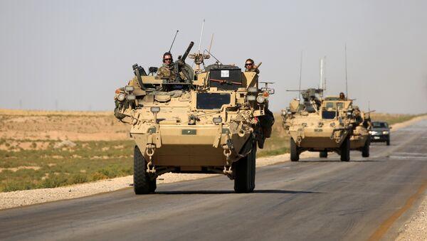 Les USA livrent 90 camions d'armes à l'opposition syrienne - Sputnik France