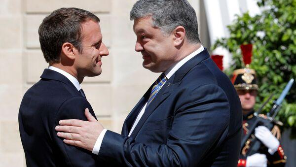 French President Emmanuel Macron meets with Ukrainian President Petro Poroshenko at the Elysee Palace in Paris, France, June 26, 2017. - Sputnik France