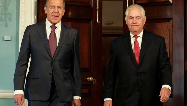 Le chef de la diplomatie russe, Sergueï Lavrov, et son homologue américain, Rex Tillerson - Sputnik France