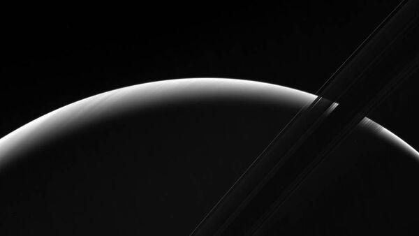 Les magnifiques clichés du point du jour sur Saturne - Sputnik France