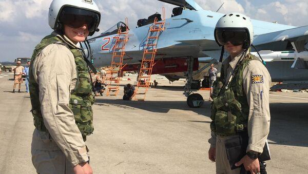 Russian pilots prepared to board the SU-30 attack plane to take off from the Hmeimim aerodrome in Syria. - Sputnik France