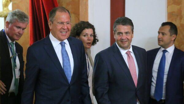 Le ministre russe des Affaires étrangères Sergueï Lavrov et son homologue allemand Sigmar Gabriel - Sputnik France