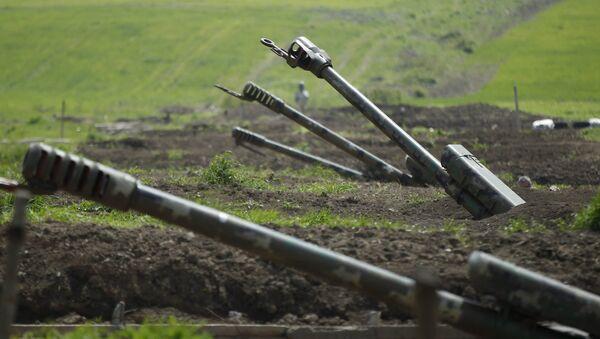 Haut-Karabakh: l'armée azerbaïdjanaise pilonne l'armée arménienne - Sputnik France