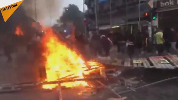 Manifestation anti-G20: canons à eau, gaz lacrymogène et bâtons s'en mêlent - Sputnik France