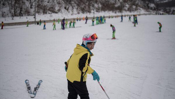 This photo taken on February 19, 2017 shows a skier at the Masikryong ski resort, near North Korea's east coast port city of Wonsan. - Sputnik France
