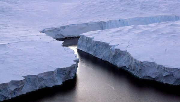 Le détachement d'un glacier antarctique géant. Archive photo - Sputnik France