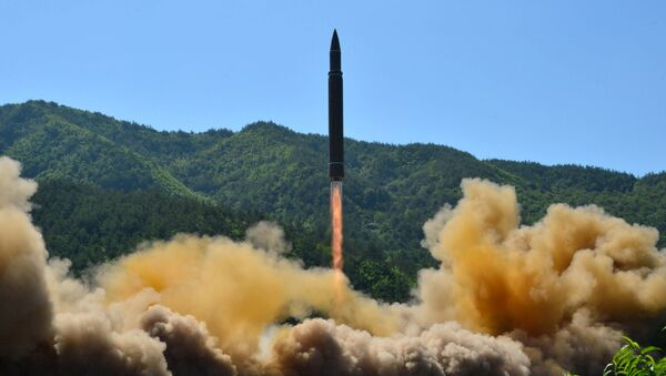Tir d'un missile balistique intercontinental nord-coréen Hwasong-14 - Sputnik France