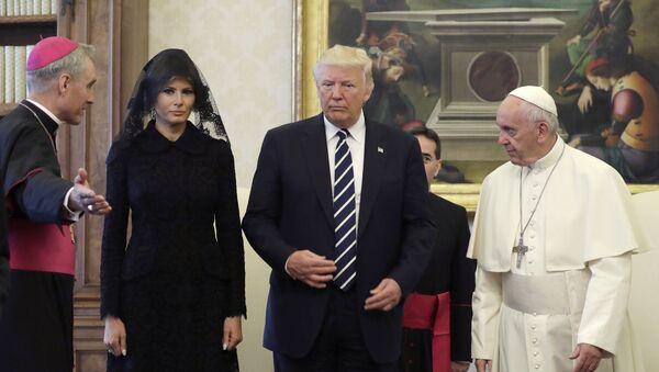 Pape François, Donald Trump et Melania Trump  - Sputnik France
