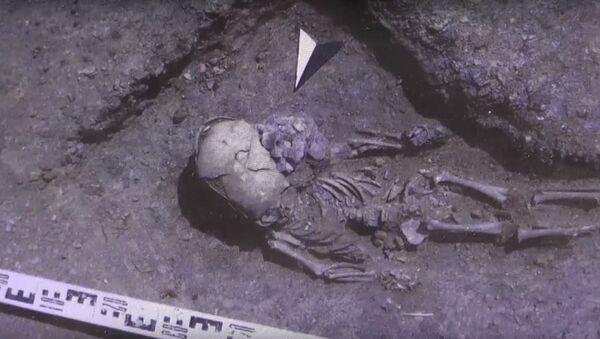 Extraterrestre ou enfant torturé: des archéologues russes ont fait une découverte intéressante - Sputnik France