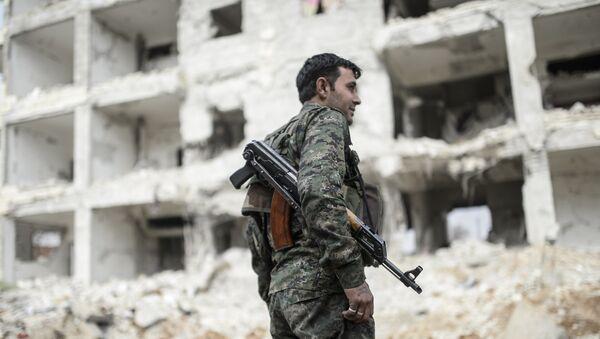 Combattant kurde - Sputnik France