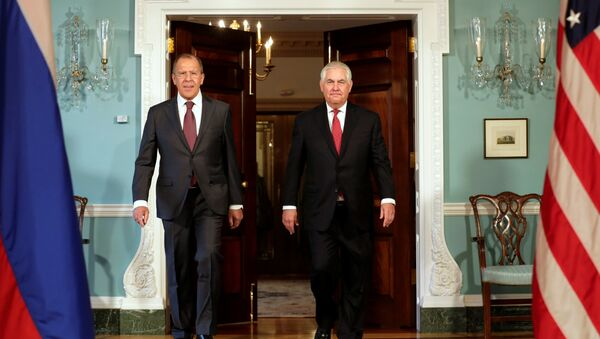 U.S. Secretary of State Rex Tillerson (R) walks with Russian Foreign Minister Sergey Lavrov before their meeting at the State Department in Washington, U.S - Sputnik France