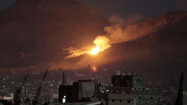 Arabische Koalition fliegt Bombenangriffe im Jemen (Archiv) - Sputnik France