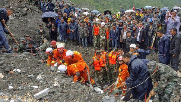 Les travaux de sauvetage dans la province chinoise de Sichuan frappée par un séisme - Sputnik France