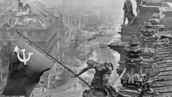 Drapeau de la Victoire sur Berlin - Sputnik France