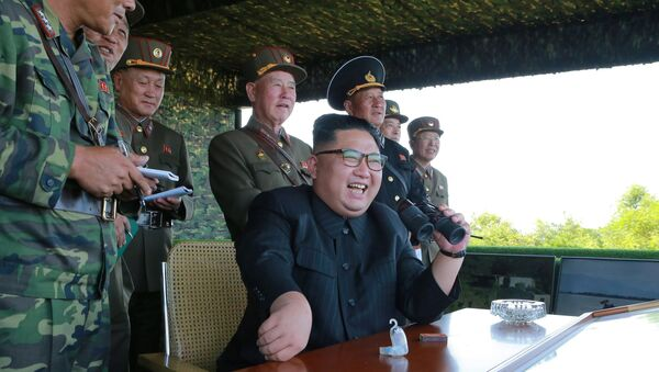 North Korean leader Kim Jong Un guides a target-striking contest of the special operation forces of the Korean People's Army (KPA) to occupy islands in this undated picture provided by KCNA in Pyongyang on August 25, 2017. - Sputnik France