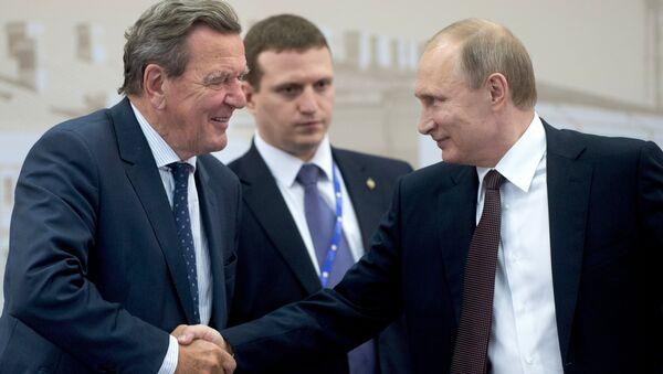 Gerhard Schröder et Vladimir Poutine - Sputnik France